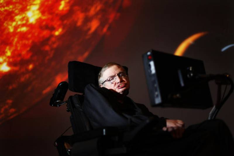 Stephen Hawking Announces Ambitious And Expensive Project To Find Aliens