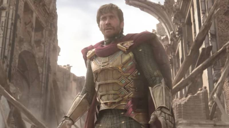 People Are Loving Jake Gyllenhaal As Mysterio In Spider-Man: Far From Home Trailer