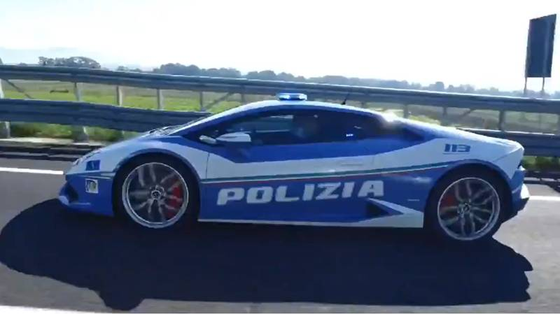 Police In Italy Use Lamborghini To Rush Kidney To Hospital