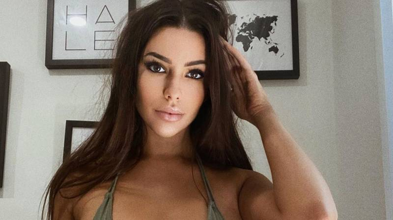 Model Asks Followers To Share Their Worst Stories Of Being Dumped