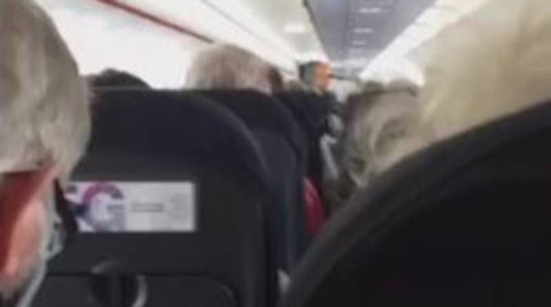 EasyJet Cabin Crew Member Makes Emotional Final Speech During Volunteer Flight