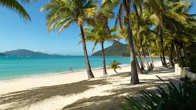 Jetstar Launches 'Beach Sale' With Dirt Cheap Flights To Sandy Destinations