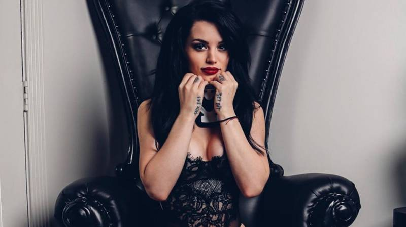 WWE Star Paige Poses In 'Hot' New Neck Brace In Instagram Post