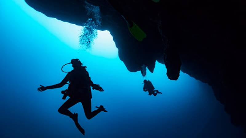 Divers Make Depressing Discovery At The Bottom Of Great Blue Hole