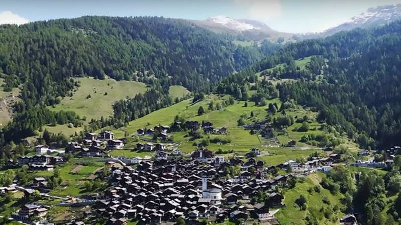 A Cool Swiss Mountain Town Is Offering Young People £50K To Live There