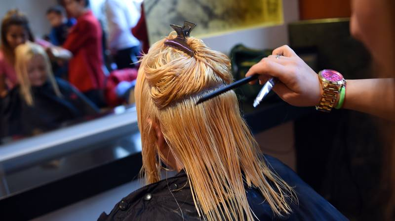 Hairdressers Warned Against Giving Haircuts In People's Gardens During Lockdown