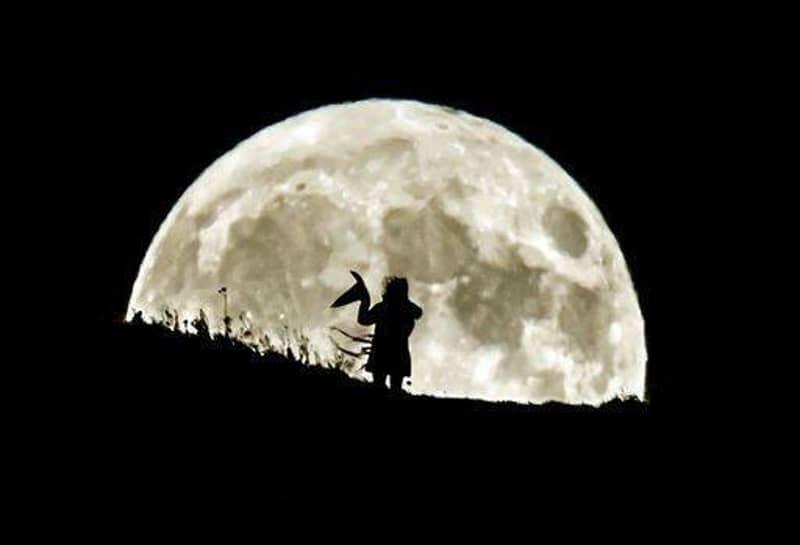 Incredible Rare Blue Moon Lights Up The World On Halloween