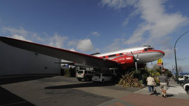 A McDonald's In New Zealand Lets Diners Eat Inside A Decommissioned Plane