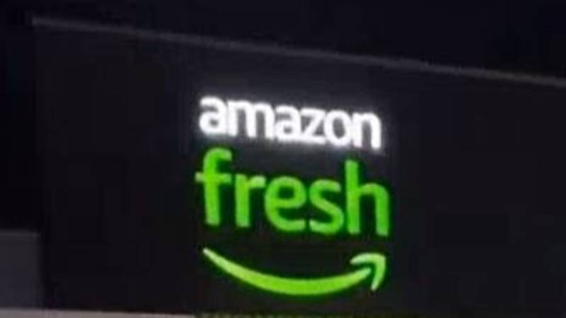 Shopper Shows People Around New Amazon Fresh Supermarket