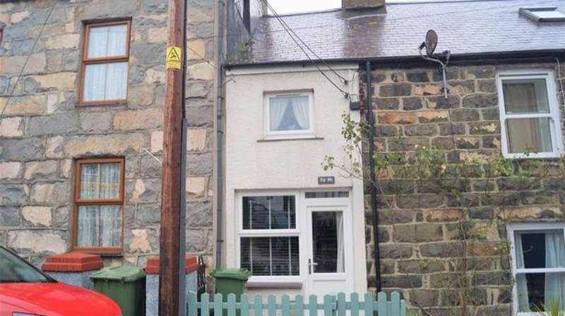 Seaside Home That Barely Fits A Double Bed For Sale At Just £72,500
