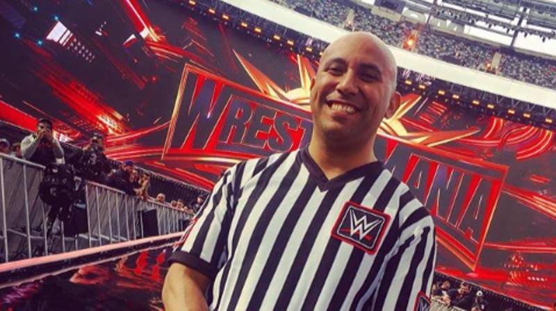 WWE Referee Breaks Leg During Fight But still Finishes Match