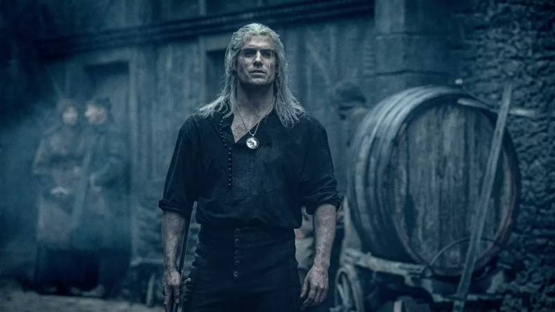 Henry Cavill Injured While Filming The Witcher