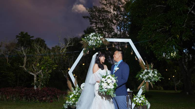 Couple Decide To Continue With Their Wedding Despite Volcanic Eruption