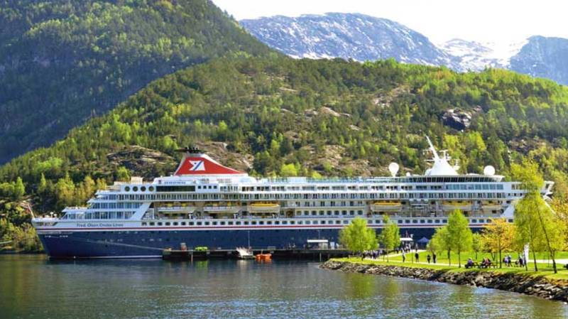 Holidaymakers Stage 'Mutiny' And Refuse To Get Off Cruise Ship