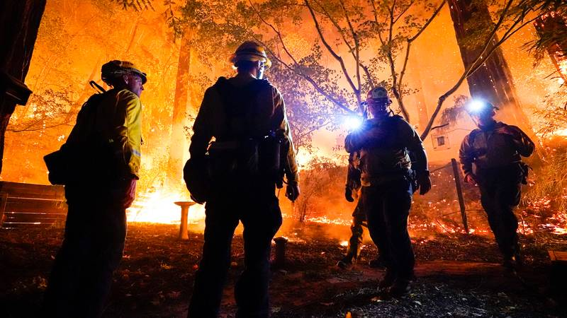 America Is Begging For Australian Firefighters To Help Them Battle Out Of Control Wildfires
