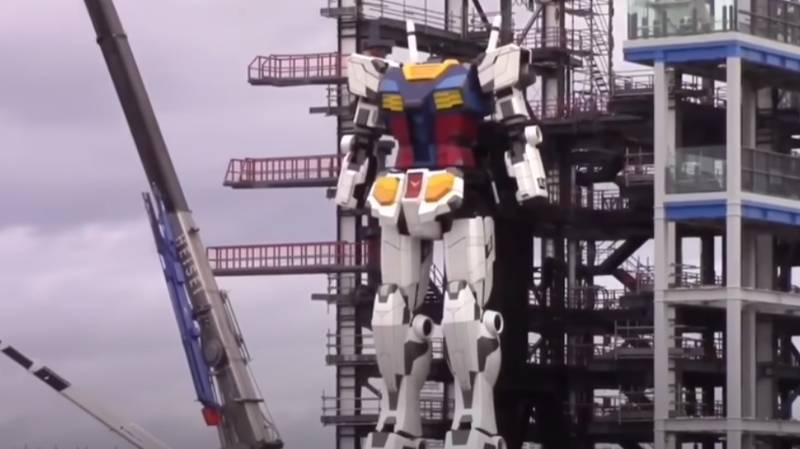 Life-Sized 18-Metre-Tall Gundam Robot In Japan Takes Its First Steps