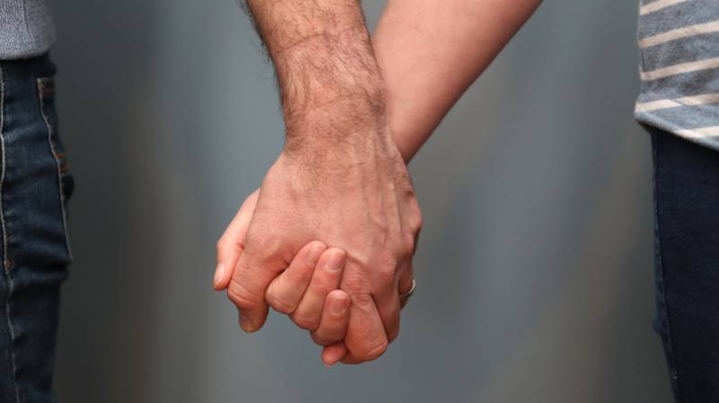 Couples From Different Households Can Now See Each Other Without Social Distancing