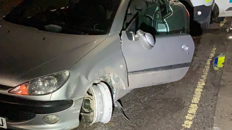 'Incredibly Drunk' Driver Arrested After Not Noticing He Had A Tyre Missing