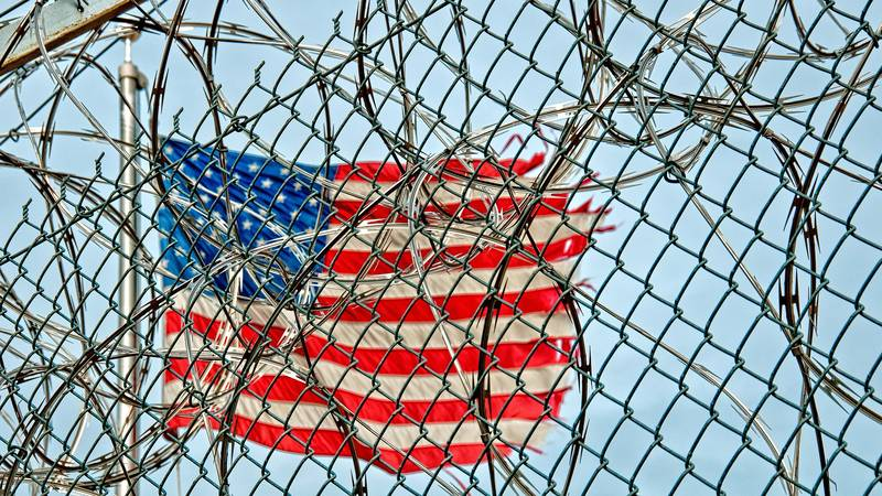 American Prisoners Claim Guards Tortured Them With Hot Sauce Worse Than Pepper Spray