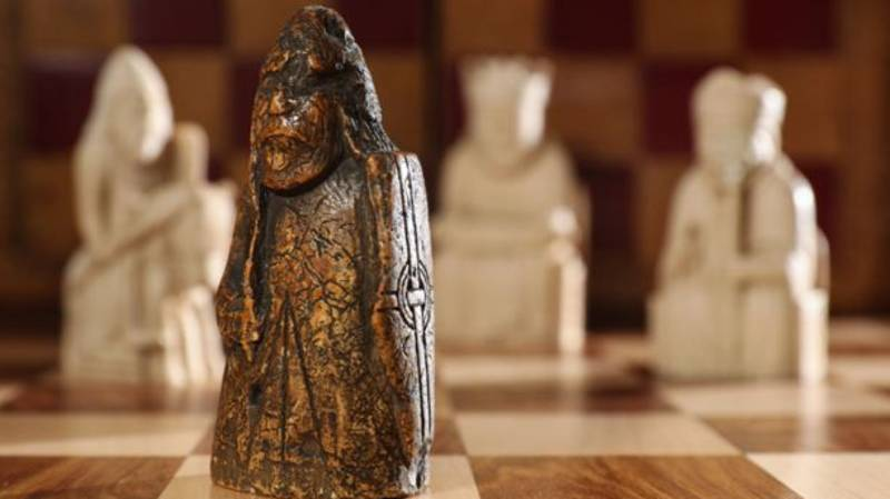 Chess Piece That Was Bought For £5 Sells At Auction For £735,000