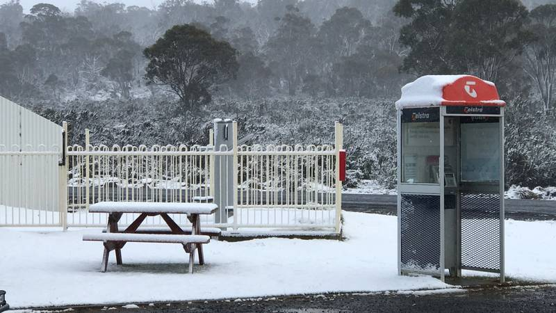 Tasmania Welcomes Second Day Of Summer With Snow