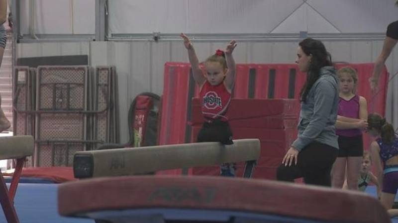 Inspirational Young Girl Born Without Legs Competes As Gymnast