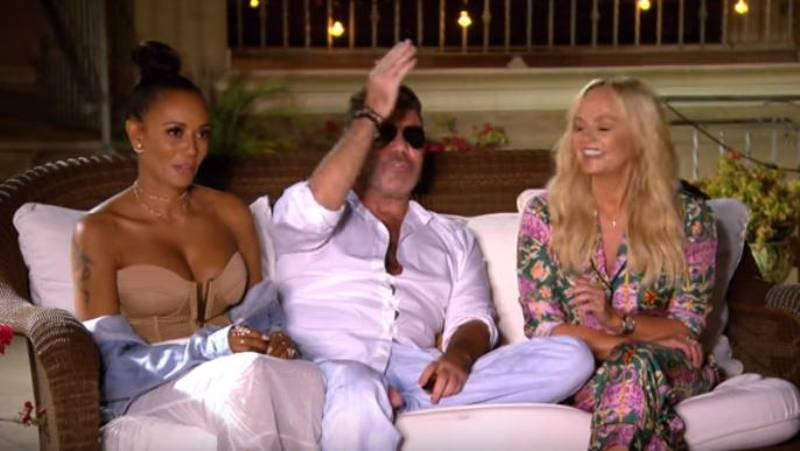Simon Cowell Mocked By X Factor Viewers Over His Wardrobe Malfuction
