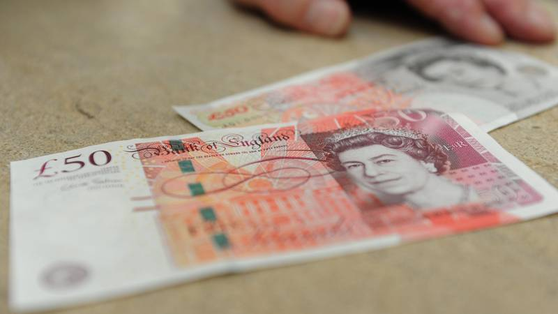 British People Want Stephen Hawking's Face On The New £50 Note
