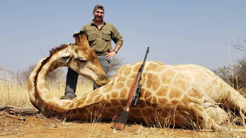 US Wildlife Official Under Fire For Proudly Posing With Dead Animals He Killed In Africa