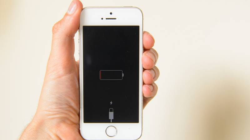 Apple Shares Fix For iPhone And Apple Watch Battery Drain