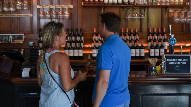 Victorians Will Be Able To Get A Beer From The Pub Without A Meal From Next Week