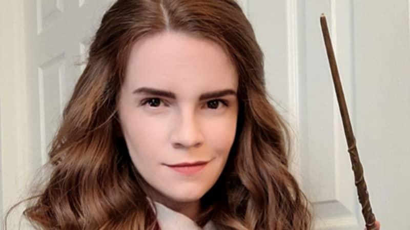 Emma Watson Lookalike Gets Mistaken For Star By Her Own Mum