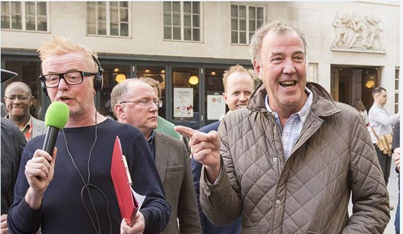Photoshop Battle Of Jeremy Clarkson Laughing At Chris Evans Will Make Your Day
