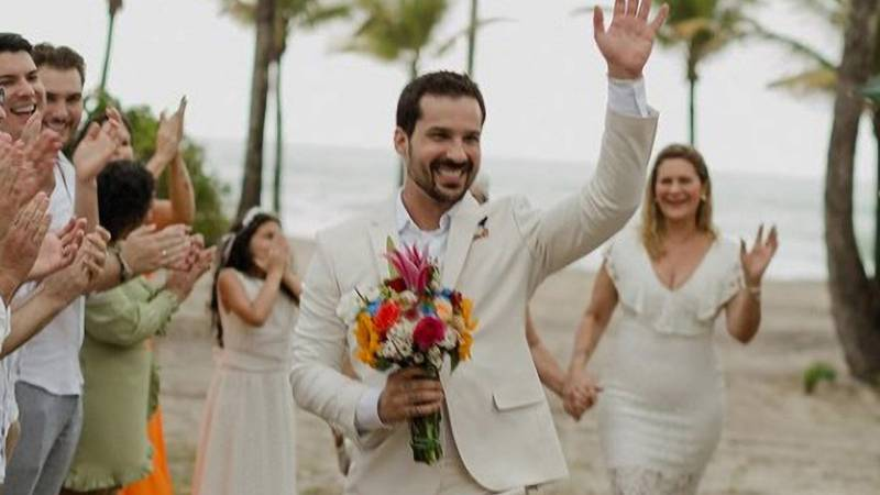 Man Marries Himself After Fiancé Breaks Up With Him