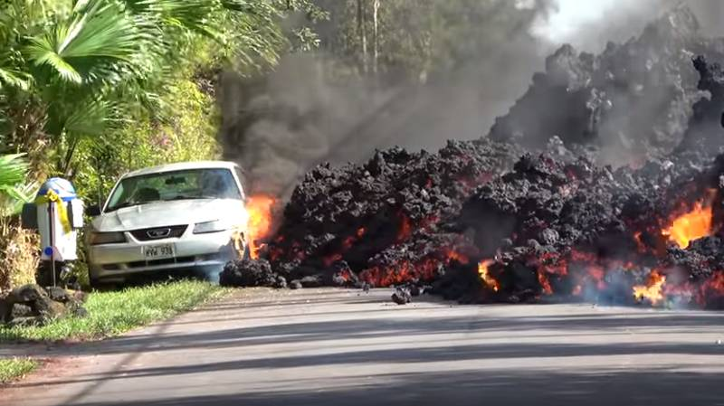 Unsettling Footage Shows Lava Destroying Everything In Its Path In Hawaii