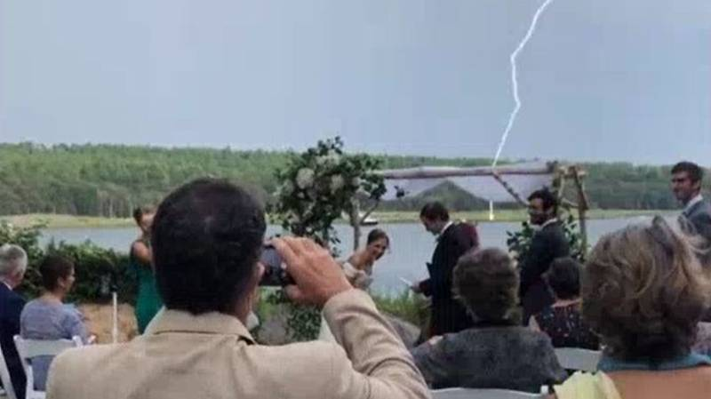 Lightning Strikes During Wedding As Groom Says 2020 Sucks