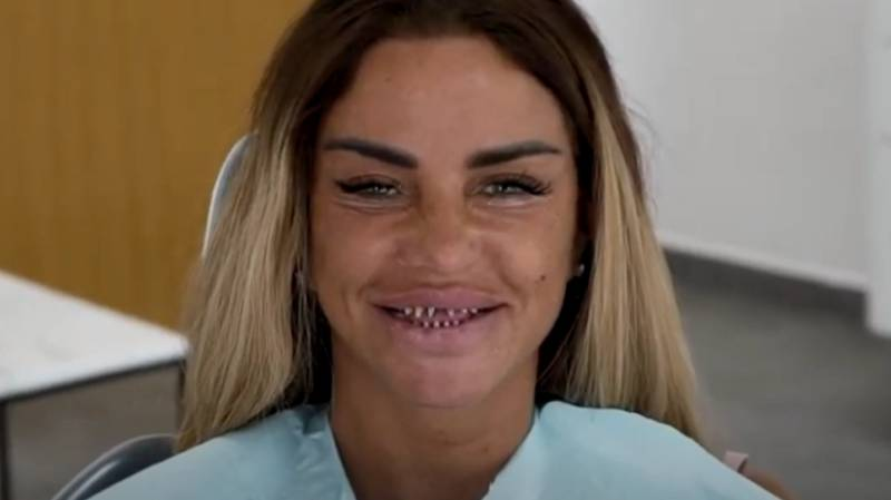 Katie Price Shows Off Stump Teeth As She Has New Veneers Fitted
