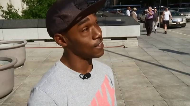 Texas Teenager Shields Elderly Woman From Hot Sun At Bus Stop