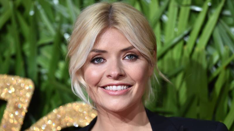 ​Holly Willoughby Becomes Victim Of Online Ad Hoax