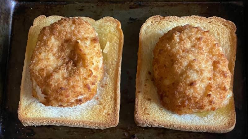Man Shares Genius Chicken Kiev Trick To Make Garlic Bread