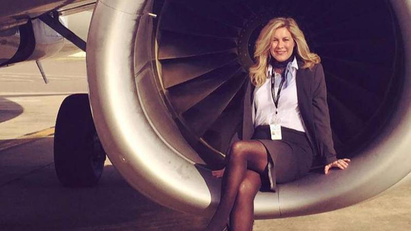 American Airlines Steward Claims Her Uniform Is Making Her Sick