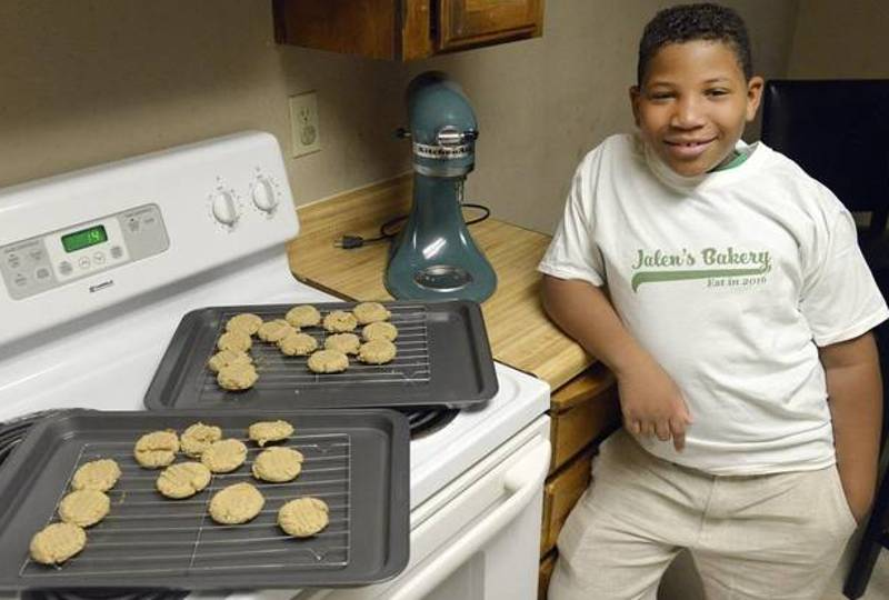 Little Lad Sets Up A Bakery So He Can Buy His Mum A House