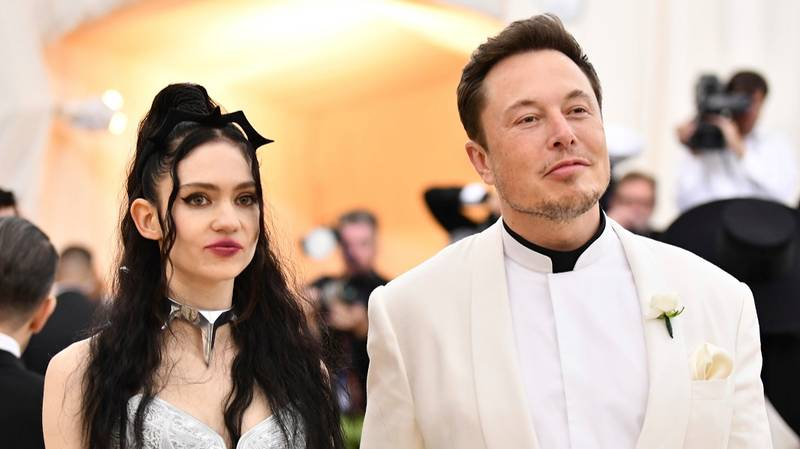 Grimes And Elon Musk Actually Appreciate Your Memes About Their Relationship