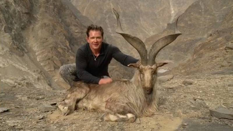 Hunter Poses Next To Corpse Of Rare Screw-Horn Goat He Paid £85,000 To Kill