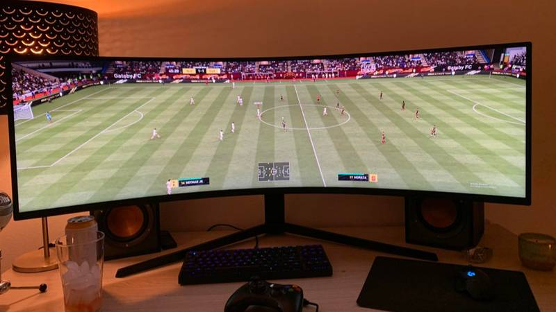 Teen Builds Ultimate FIFA Setup Using 49-Inch Monitor So He Can See Entire Pitch