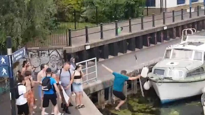 Man Pushed In Canal After Standing Up To Girl Who Kicked Mating Swans