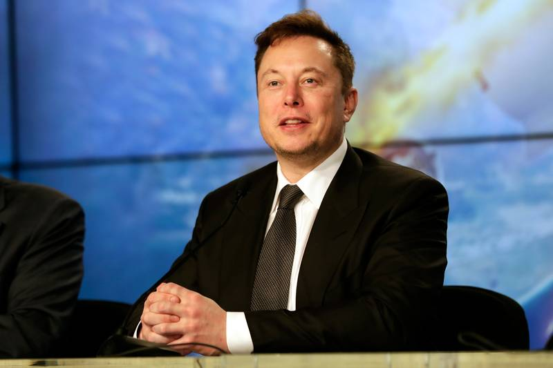 Elon Musk Wants SpaceX's Energy Focused Into Mission To The Moon
