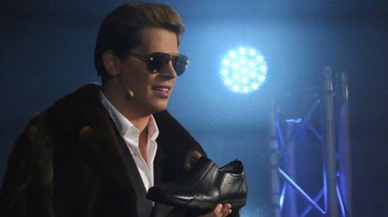 Shoe Thrown At Milo Yiannopoulos In Australia Fetches $2,100 At Auction