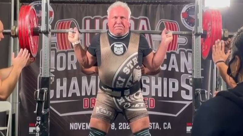 71-Year-Old Powerlifter Sets 4 New World Records In One Day