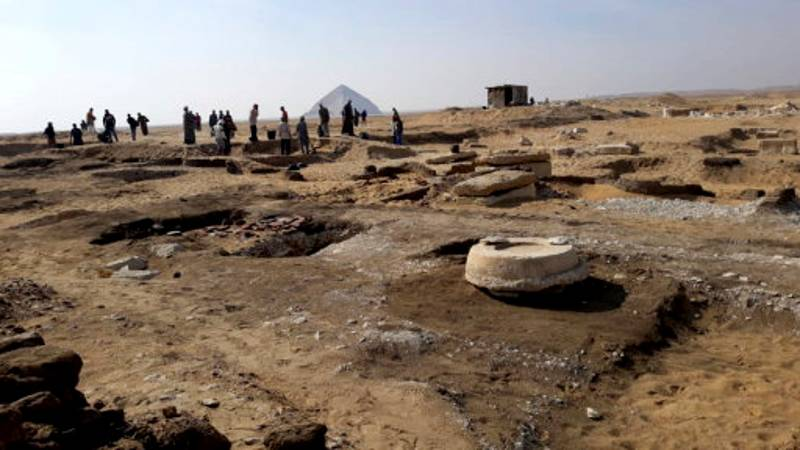 Eight 3,000 Year Old Ancient Egyptian Mummies Discovered In Pyramid